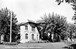 Kittitas County Courthouse and trees